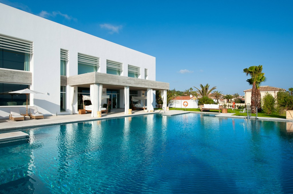 Beach club hotel estrella del mar 5 marbella adolfo - Estrella del mar beach club ...